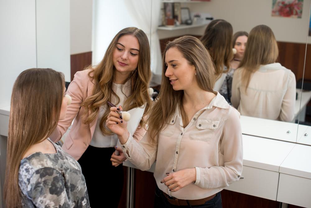 makeup educator teaching